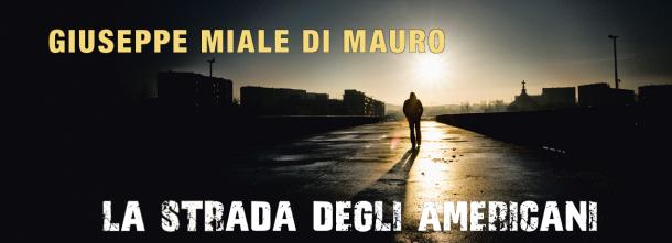 """""""Un romanzo implacabile e intenso. Personaggi forti, che senti nella carne e nelle ossa. Così vivi che ti viene voglia di interpretarli."""" (Marco D'Amore)"""